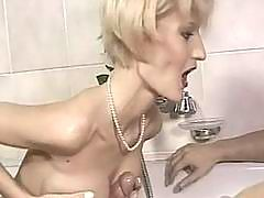 Gorgeous milf riding a cock