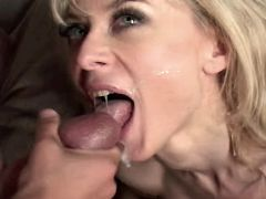 Hot mature in stockings gets facial
