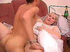 Mature blonde hot sex in gym
