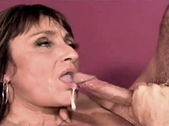 Mature gets facial after hard fuck