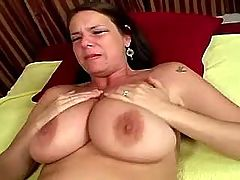 Milf sucking cock n fucking on sofa